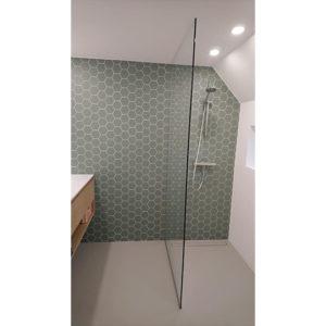 Bronneger sausklaar badkamer