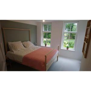 Bronneger sausklaar en saus slaapkamer